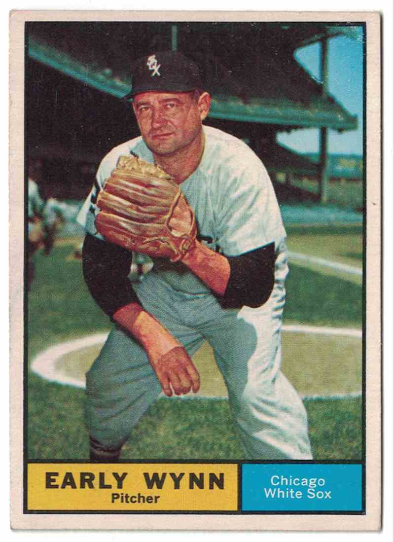 1961 Topps Early Wynn EX+ #455 card front image
