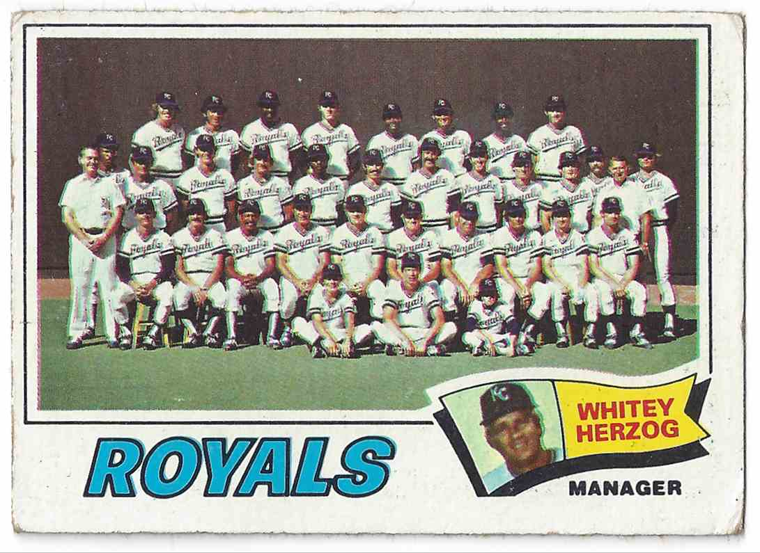 1977 Topps Kansas City RoyalsTeam Card #371 card front image