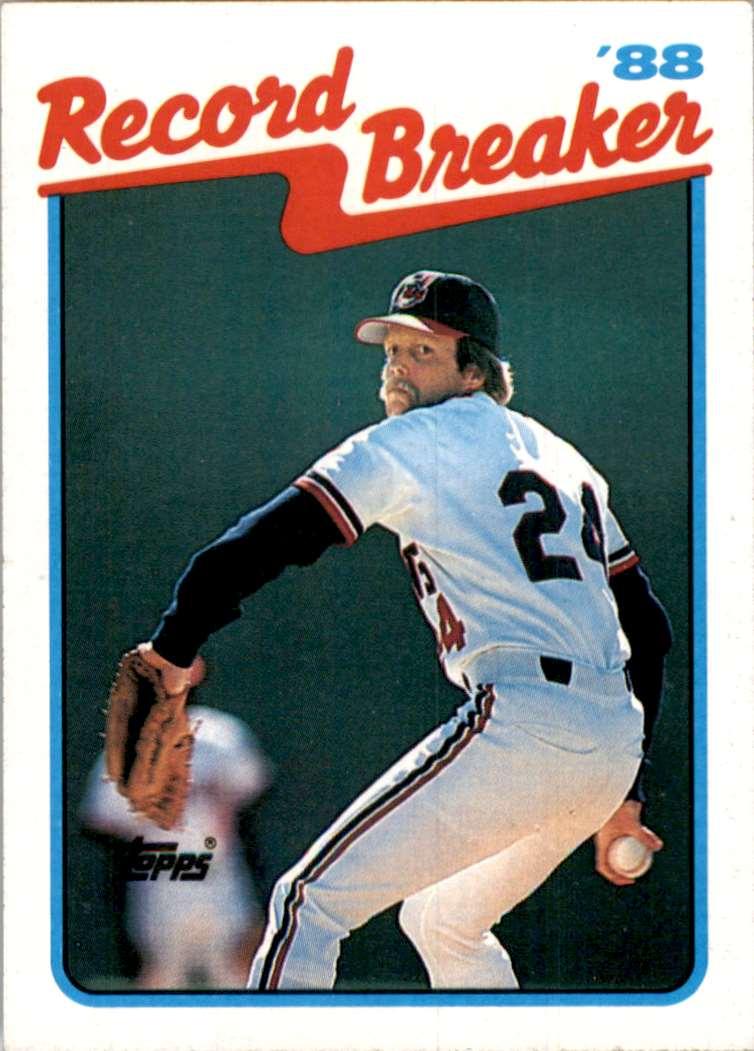 1989 Topps Doug Jones Rb UER/Earns His 15th/Straight Save//Photo Actually Chris Codiroli #6 card front image