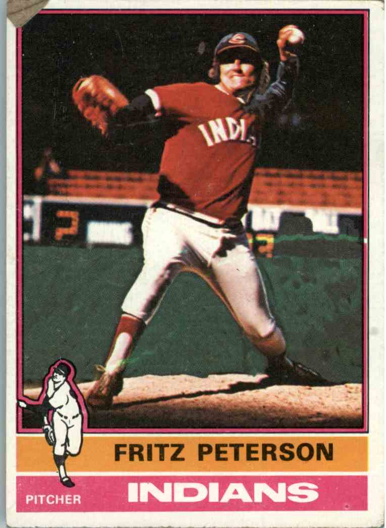 1976 Topps Fritz Peterson #255 card front image